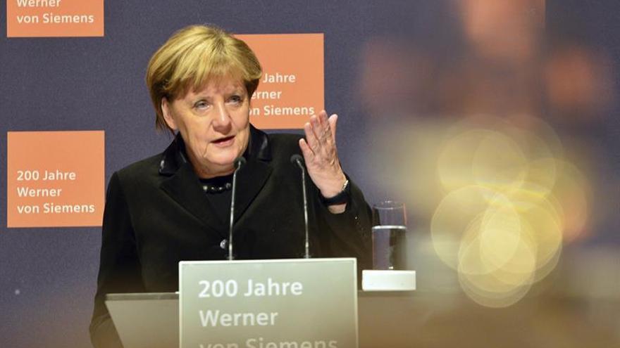 Merkel quiere detener las negociaciones de ingreso de Turquia a la UE, según Bild