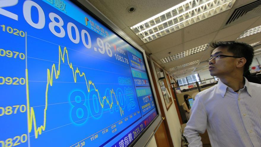 El índice Hang Seng sube el 0,31 por ciento a media sesión