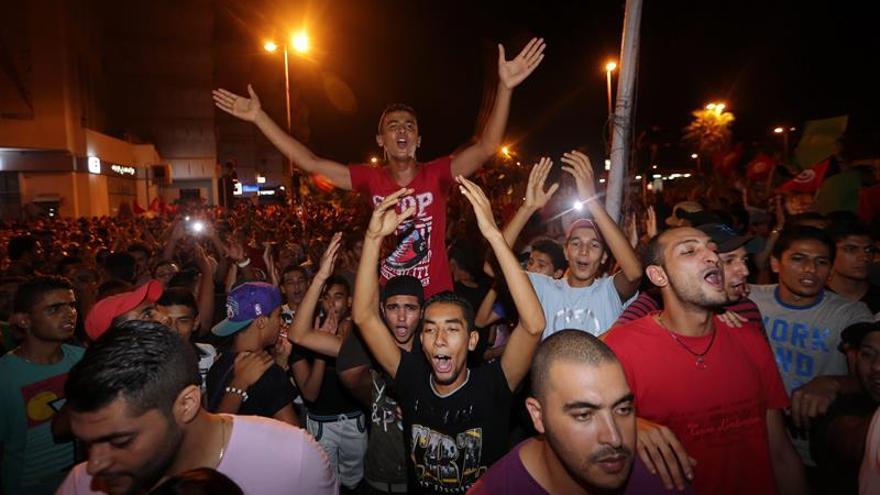 Más de 200 arrestados en protestas y saqueos nocturnos en Túnez