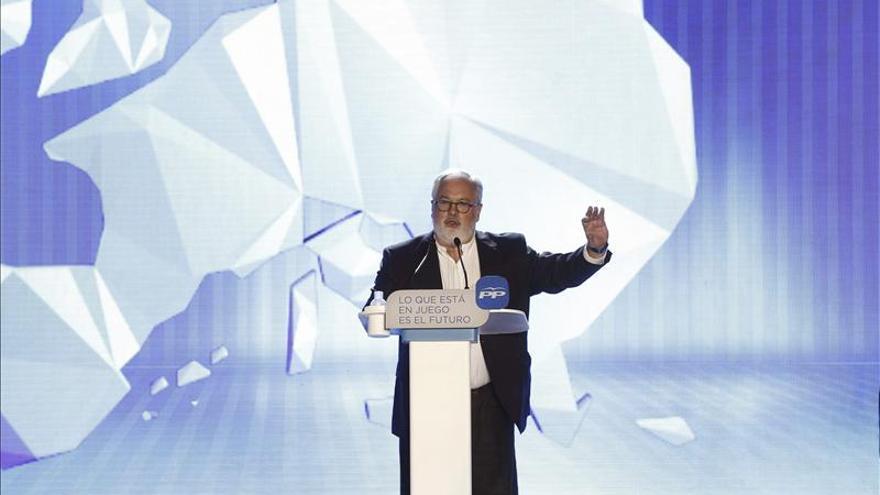 El PP sacaría entre 3 y 6 puntos al PSOE en las europeas, según tres sondeos