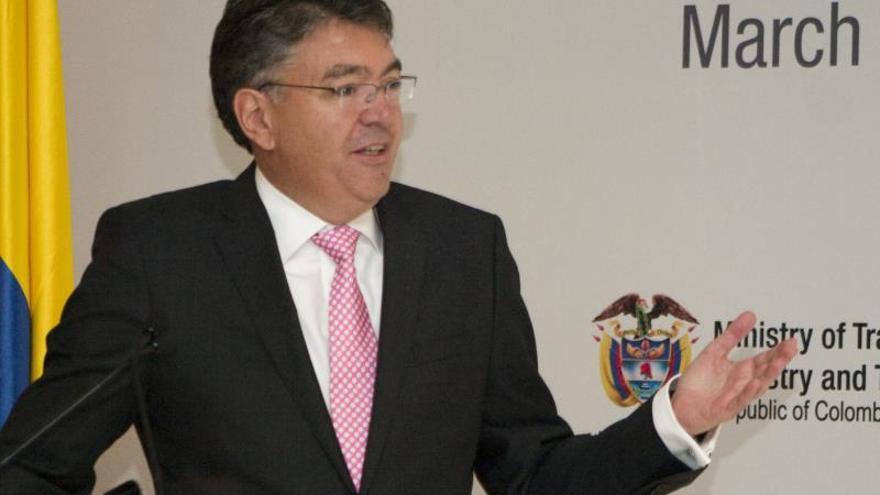 El ministro de Hacienda mostrará en Davos los avances de la economía colombiana