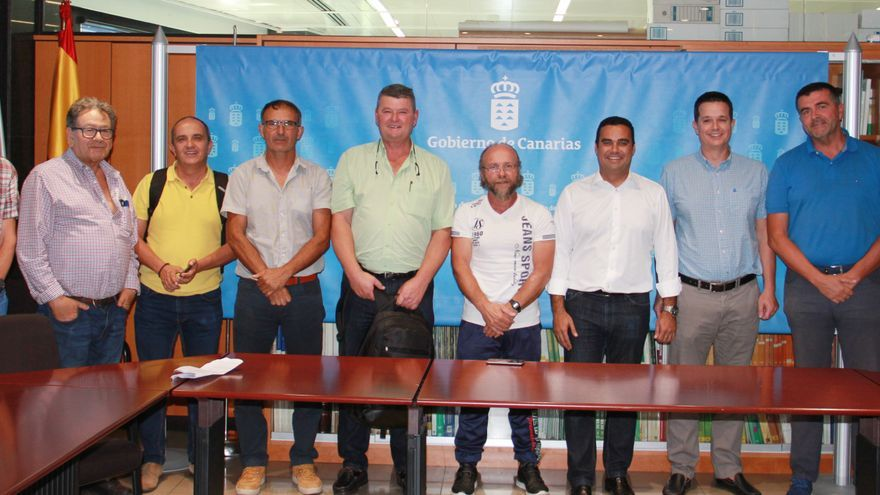 Participantes en la reunión celebrada este jueves en Tenerife, en dependencias de la Consejería de Agricultura