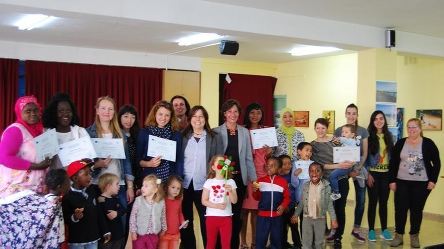 Once mujeres de África y Europa del Este finalizan su formación con el proyecto 'Mothers and children in L2'