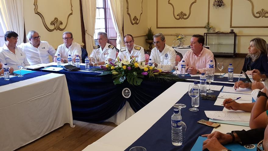 Primera visita a La Palma del almirante comandante del Mando Naval de Canarias, Pedro Luis de la Puente García-Ganges.