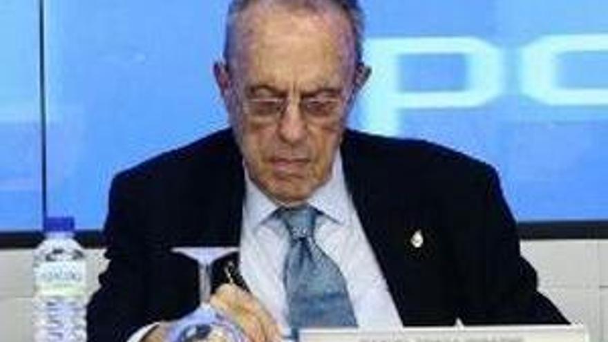 Fraga ve ''problemas importantes'' en el PP de Valencia