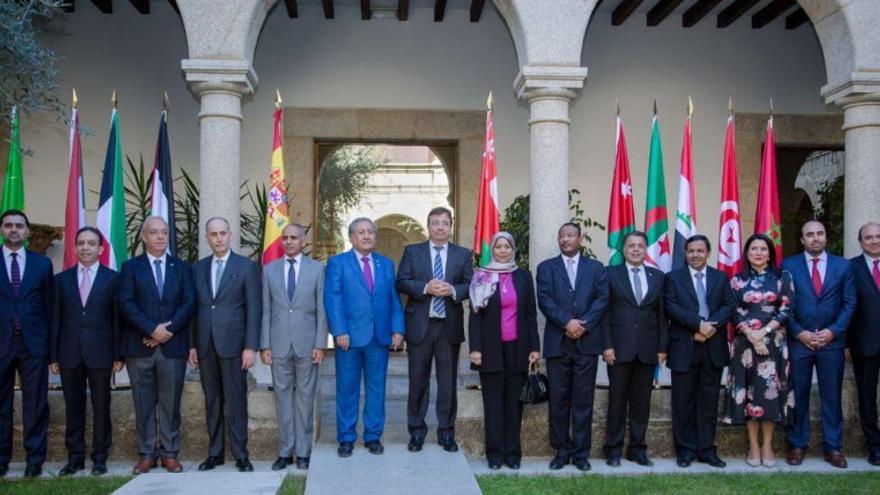 El presidente extremeño recibe a representantes del Consejo de los Embajadores Árabes ante el Reino de España