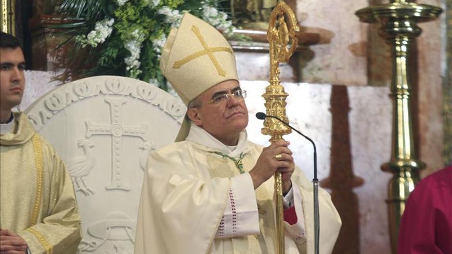 """El Obispo de Córdoba califica la fecundación artificial de """"aquelarre químico"""""""