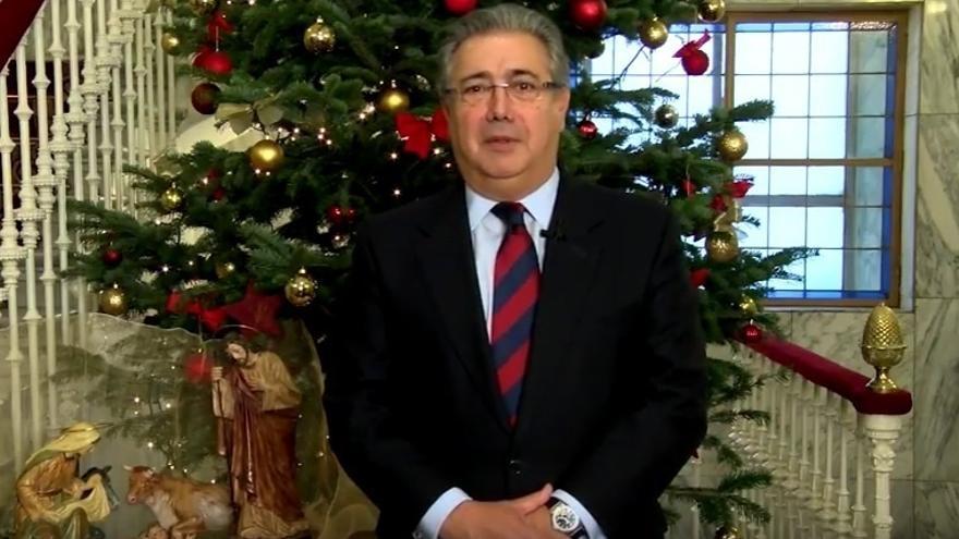 """Zoido agradece a quienes estas Navidades velarán por la seguridad para que """"cada día los españoles vivan mucho mejor"""""""