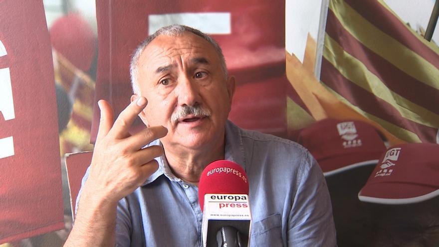 Álvarez (UGT) pide soluciones inmediatas al Gobierno, anular condenas históricas a sindicalistas y exhumar a Franco