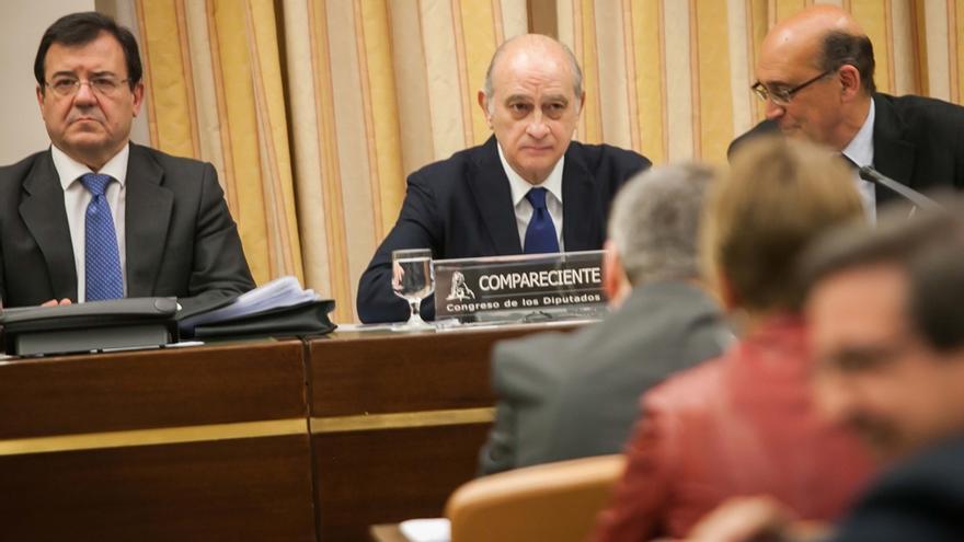 La comisión de Fernández Díaz en el Congreso se atasca, pero quiere ampliar su duración hasta diciembre