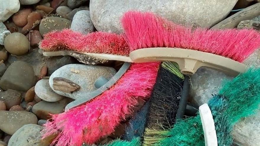 Centinelas pide colaboración ciudadana ante los residuos acumulados en la costa