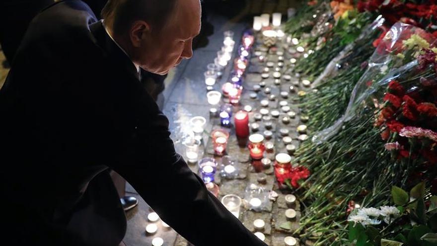 May expresa sus condolencias a Putin por el atentado en San Petersburgo
