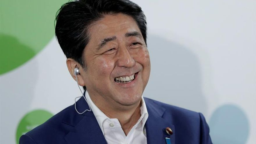 Abe afianza su liderazgo en las elecciones al Senado japonés