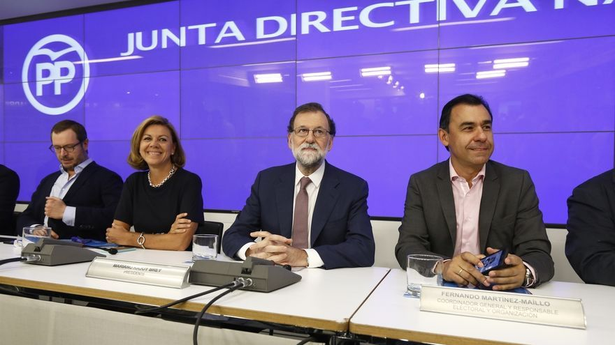 Cargos del PP, expectantes ante la estrategia de Rajoy para reanimar el partido y afrontar las municipales