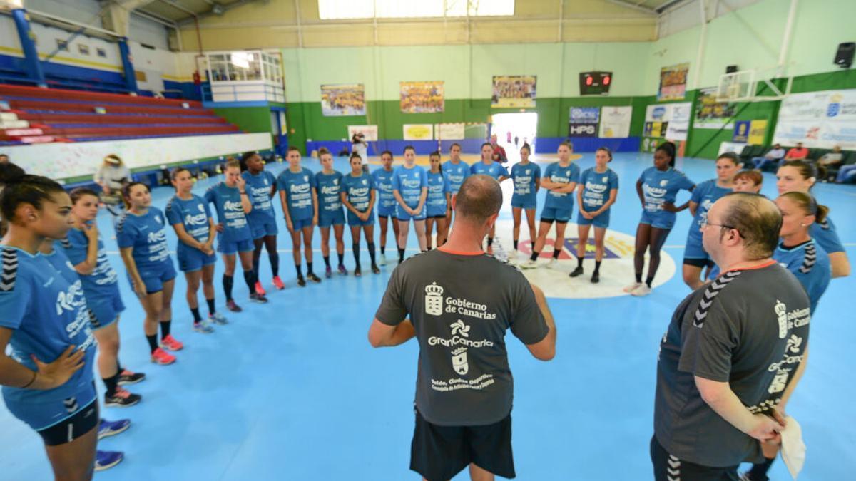 Las jugadoras del Rocasa Gran Canaria en un entrenamiento