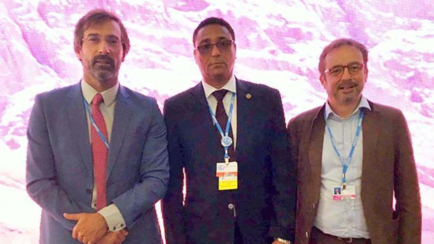 El presidente del Cabildo de Lanzarote, Pedro San Ginés (izquierda) en la reciente cumbre contra el cambio climático celebrada la pasada semana en Marrakech.