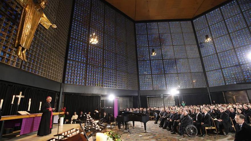 Berlín celebra misa en la Gedächtniskirche por víctimas del ataque terrorista