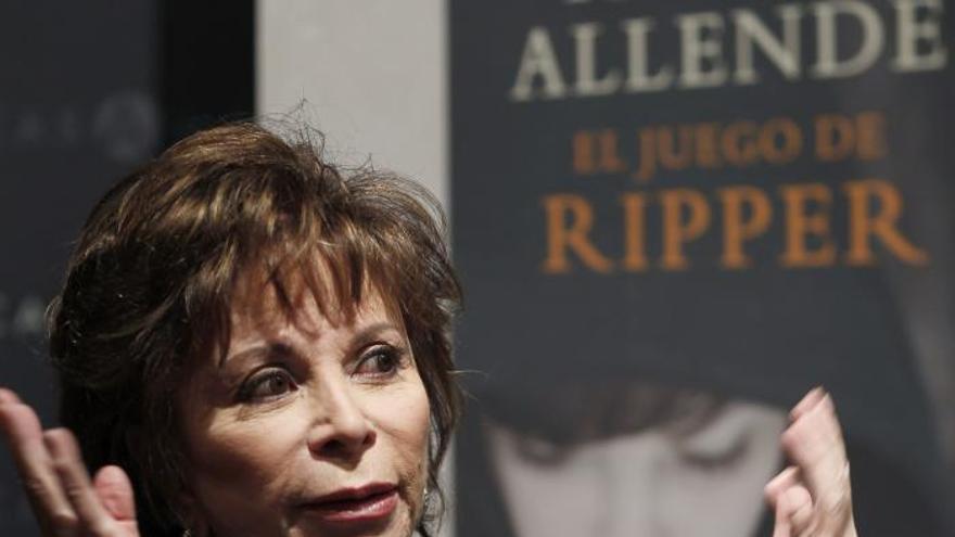 """Isabel Allende y su """"Juego de Ripper"""" escala puestos entre los más vendidos"""