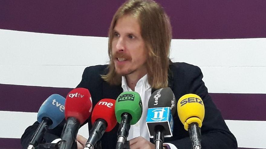 Pablo Fernández (Podemos) en una rueda de prensa.