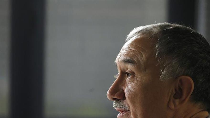 Álvarez (UGT) achaca el caos de Vueling a querer tener un beneficio exagerado