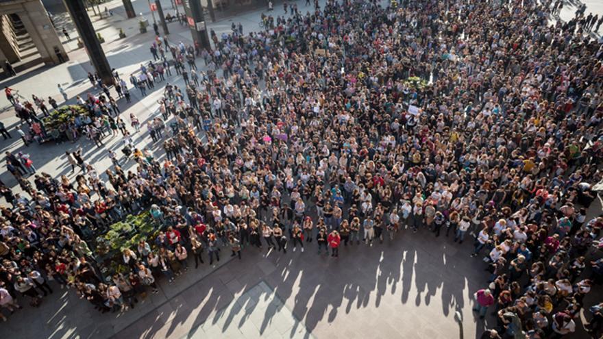 La manifestación partió de la Audiencia de Zaragoza y llegó a la plaza del Pilar