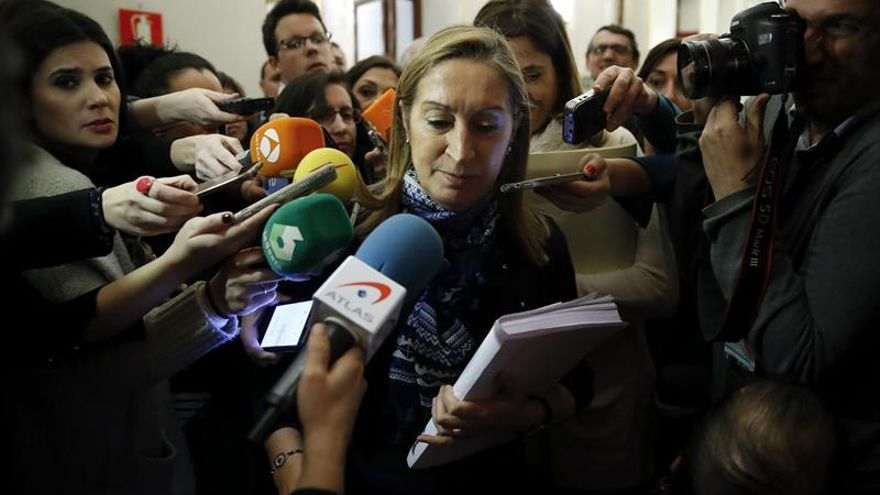 Tensión en el pleno entre Ana Pastor y el diputado del PP Rafael Merino