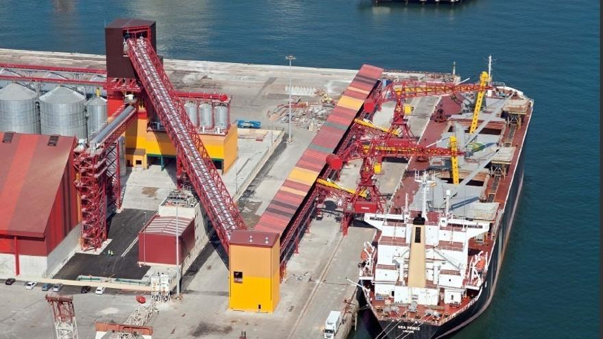 Los puertos españoles como Santander ofrecen en Europa su mayor mercado y su solución para movimiento de mercancías