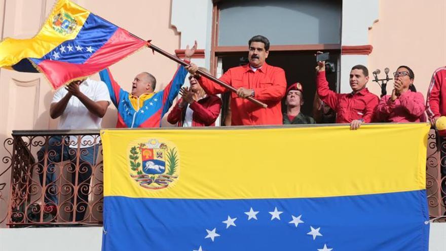 """Venezuela denuncia en la OEA un """"golpe de Estado"""" y rechaza el debate regional"""