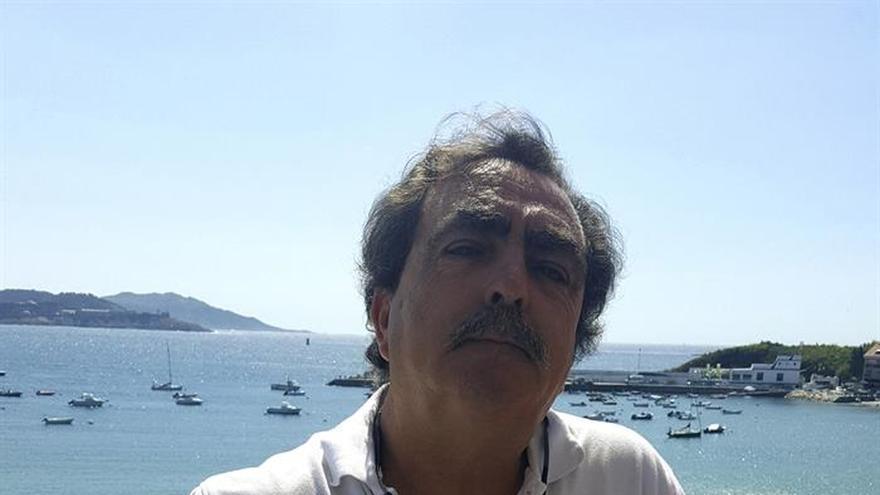 """Eduardo Moyano: """"El cine conciencia y hace estar pendiente"""" de la emigración"""