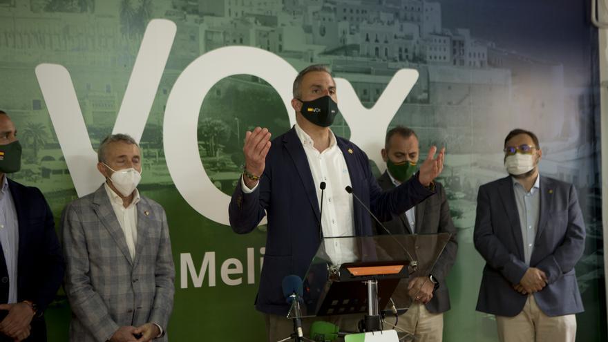 El secretario general de Vox, Javier Ortega Smith, ofrece un mitin en la nueva sede del partido en Melilla