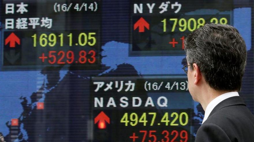 El Nikkei cae un 1,86 por ciento en la apertura hasta los 16.356,07 puntos