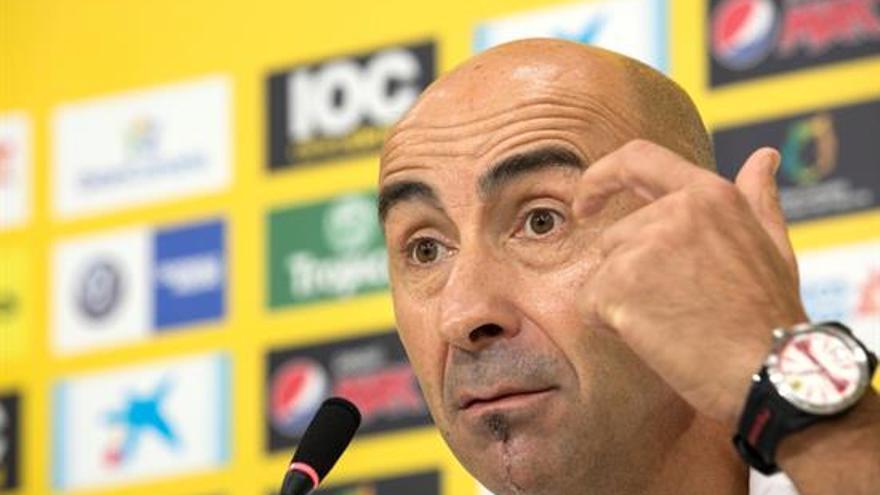 El entrenador de las Palmas, Pako Ayestarán