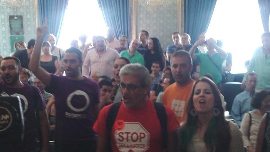 El pleno del Ayuntamiento de Alicante rechaza la petición de dimisión de Castedo con los votos del PP