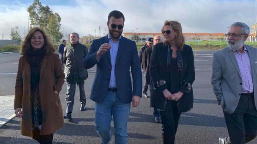 La delegada del Gobierno en Extremadura, Yolanda García Seco; ha visitado las instalaciones acompañada del alcalde, Luis Salaya; y la subdirectora general de Formación y Educación Vial de la DGT, María Lidón Lozano
