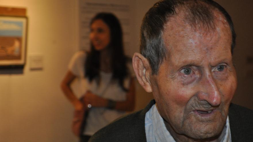 Felipe Estella, en la inauguración de su exposición.