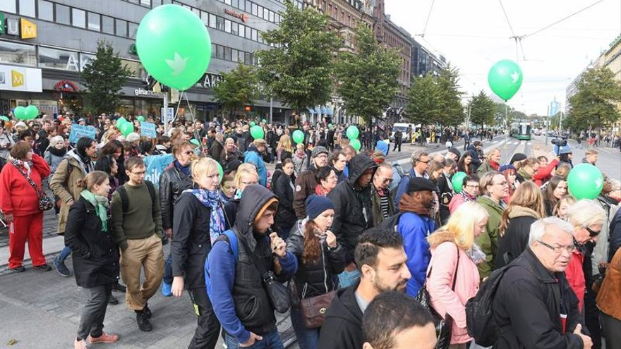 Finlandia se moviliza contra el racismo tras muerte de un joven por neonazi