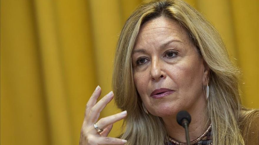 """Sánchez dice que Trinidad Jiménez fichará con Telefónica como """"trabajadora"""""""