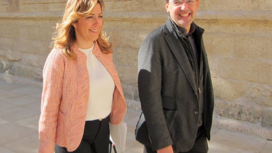 Díaz pone en valor que Andalucía complemente las becas Erasmus con una cifra similar a la del Gobierno para toda España