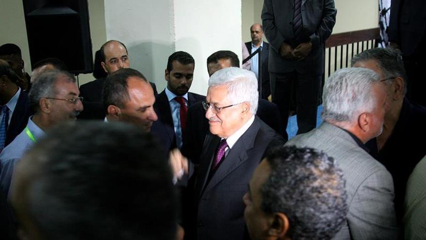 Mahmud Abás es reelegido líder del movimiento nacionalista palestino Al Fatah
