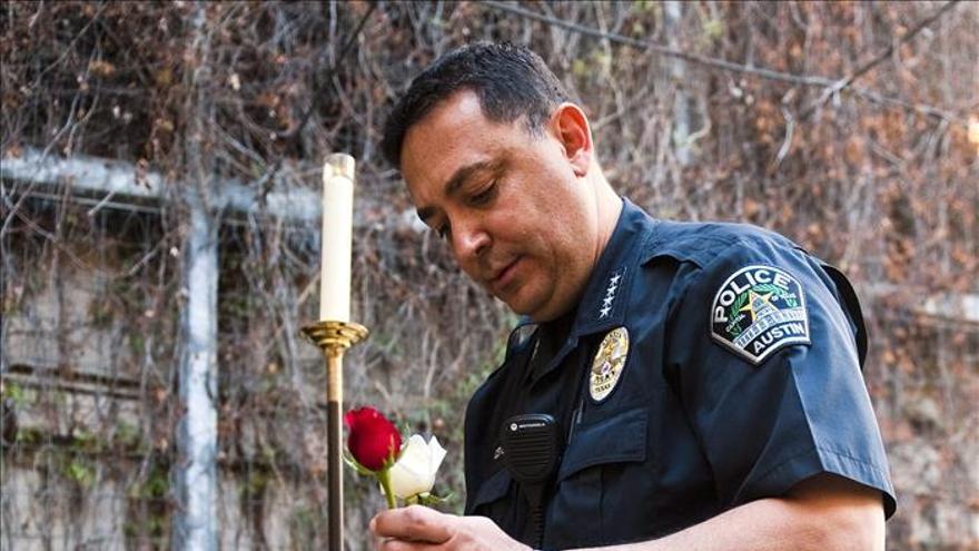 La Policía abate en Texas a un hombre sospechoso de disparar a edificios oficiales
