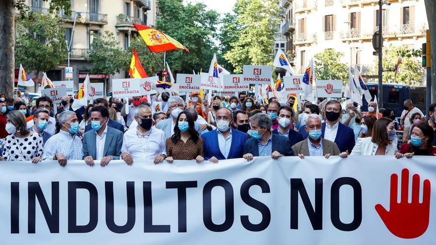 Concentración contra los indultos frente a la Delegación de Gobierno en Barcelona