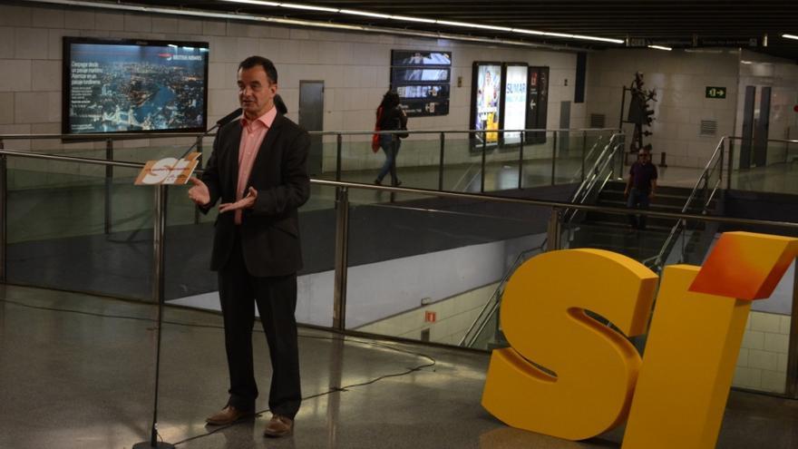 Alfred Bosch presenta les propostes d'ERC-Més pel transport públic de Barcelona a l'estació de metro d'Universitat / MARC PUIG