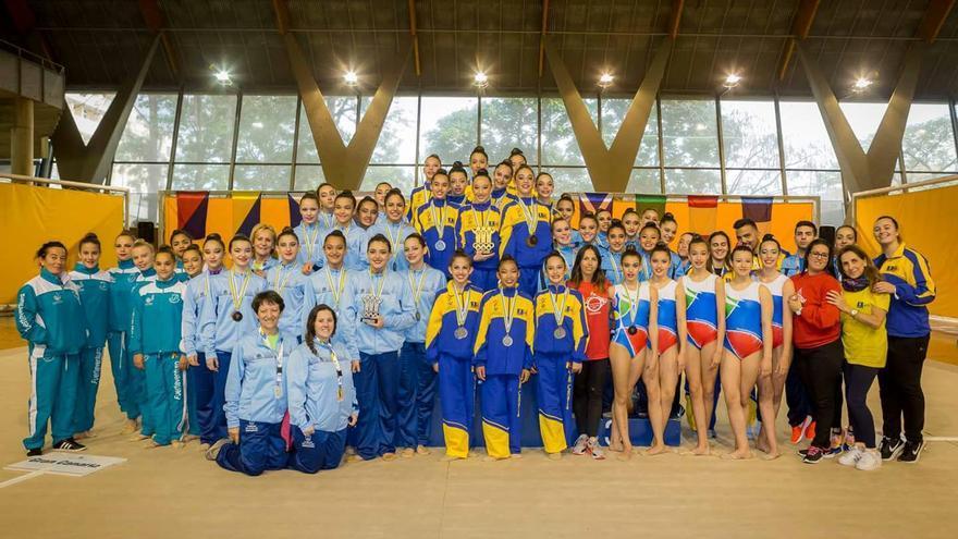 En la imagen, los deportistas palmeros que participaron en los distintos campeonatos.