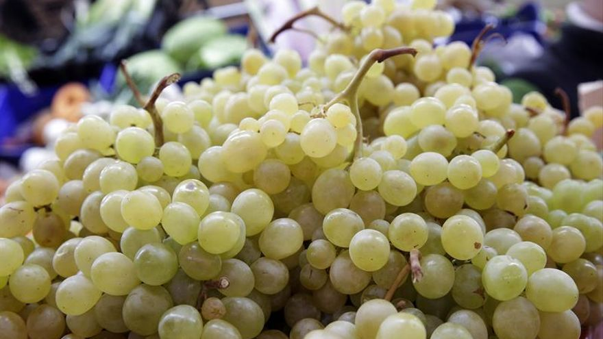 Los otorrinos aconsejan no dar uvas enteras a menores de 5 años en Nochevieja