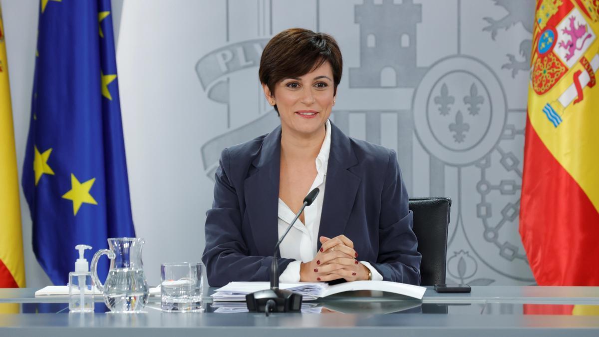 La ministra de Política Territorial y portavoz del Gobierno, Isabel Rodríguez, este lunes en el palacio de la Moncloa en Madrid. EFE/Zipi