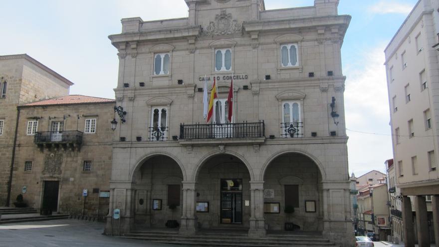 Rodríguez formaliza su dimisión como alcalde de Orense y como edil y Martín toma el relevo
