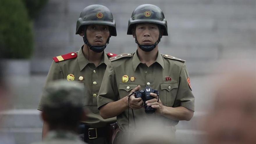 Corea del Norte envía por primera vez propaganda al Sur por vía fluvial