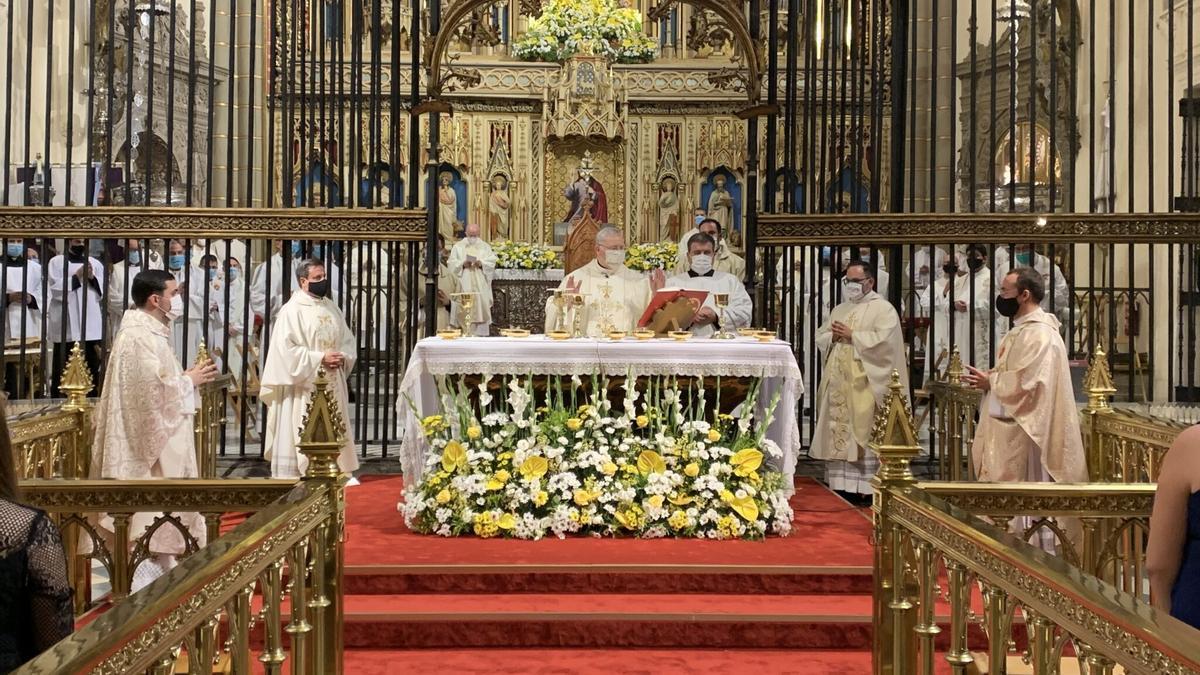 El obispo de Cartagena, José Manuel Lorca Planes, presidiendo una ordenación sacerdotal -18 de julio de 2020-