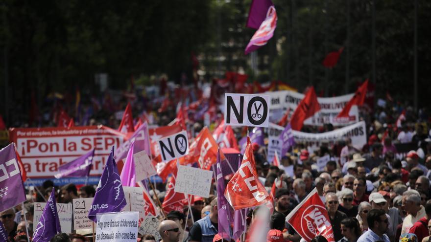 Miles de personas se manifiestan el 1 de Mayo en Madrid
