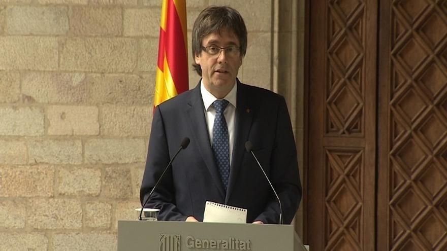 Puigdemont convoca la reunión del referéndum el 23 por la tarde para que asista Colau